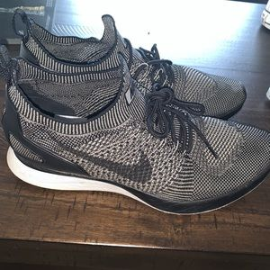 Men's size 9.5 Nike.  Maybe only worn 2 times.